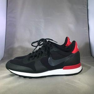 Nike Internationalist Sneakers size 8